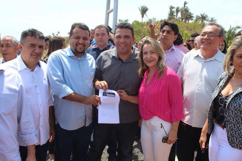 Deputado Fábio Macedo participa da entrega da rodovia MA-381 no município de Pedreiras