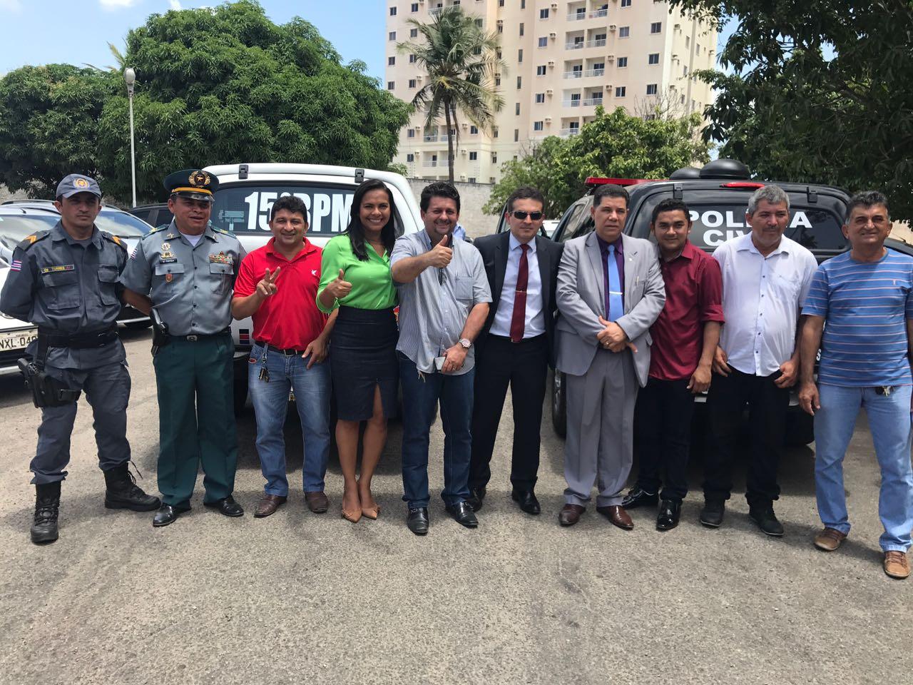 Ana do Gás e Governo do Estado entregam viaturas das Polícias Militar e Civil para Paulo Ramos