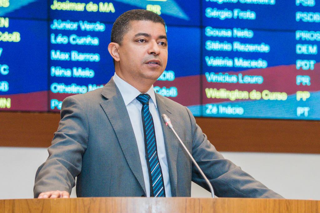 Deputado Bira solicita asfaltamento para Coroatá