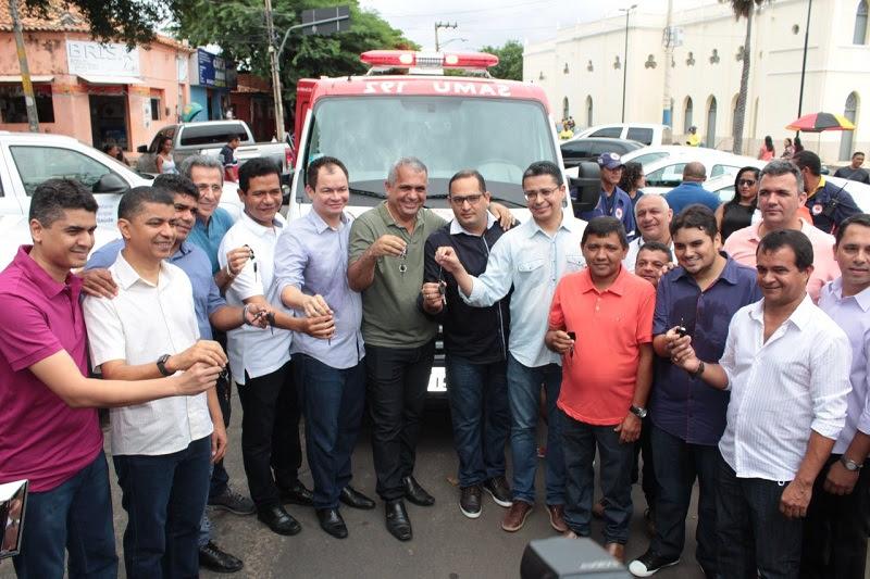 Bira do Pindaré e Rafael Leitoa participam de entrega de veículos e inauguração de Unidade de Saúde em Timon
