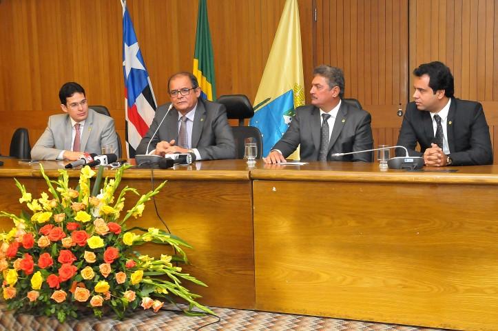 Deputado Humberto Coutinho concede primeira entrevista como presidente da AL