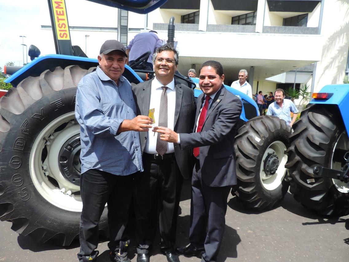 Deputado Zé Inácio participa de solenidade de entrega de patrulhas mecanizadas