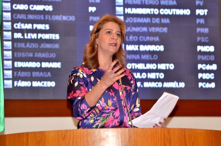Valéria Macedo solicita reforma e ampliação de escola em Codó