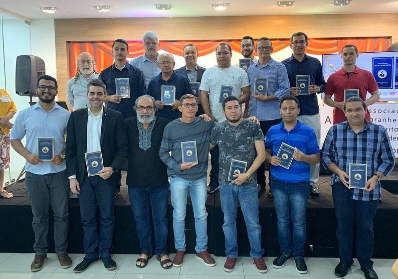 Adriano lança coletânea com 40 melhores poemas do Prêmio Gonçalves Dias