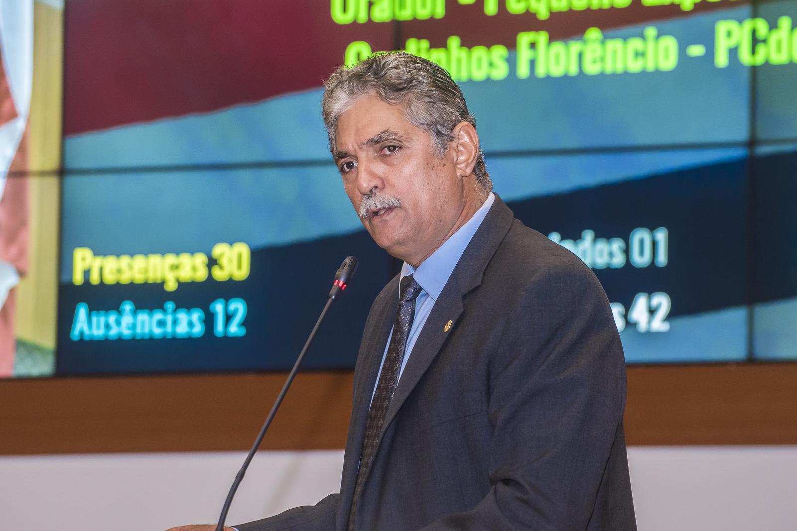 Carlinhos Florêncio repercute entrega de obras e conjunto habitacional de Bacabal