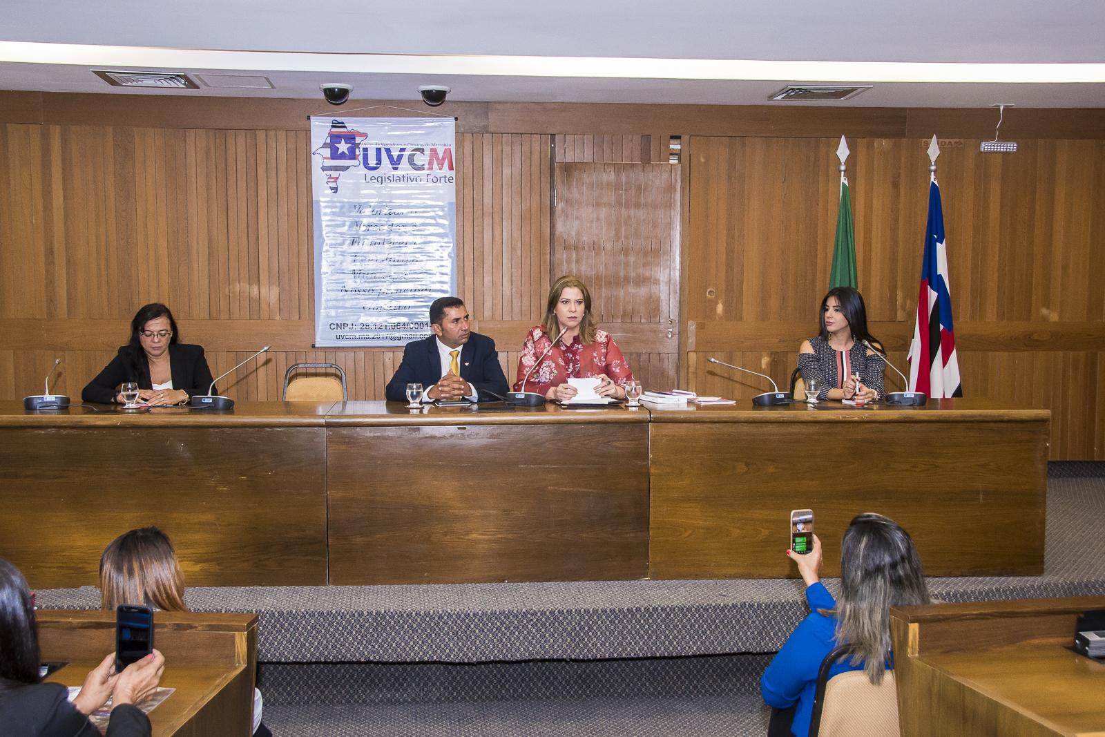 Fórum da Mulher debate papel e fortalecimento das vereadoras do Estado
