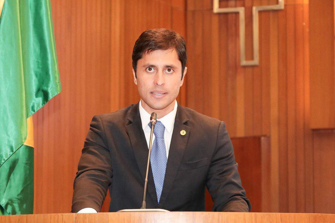 Duarte Jr pede revitalização de praça em Imperatriz após reclamação da