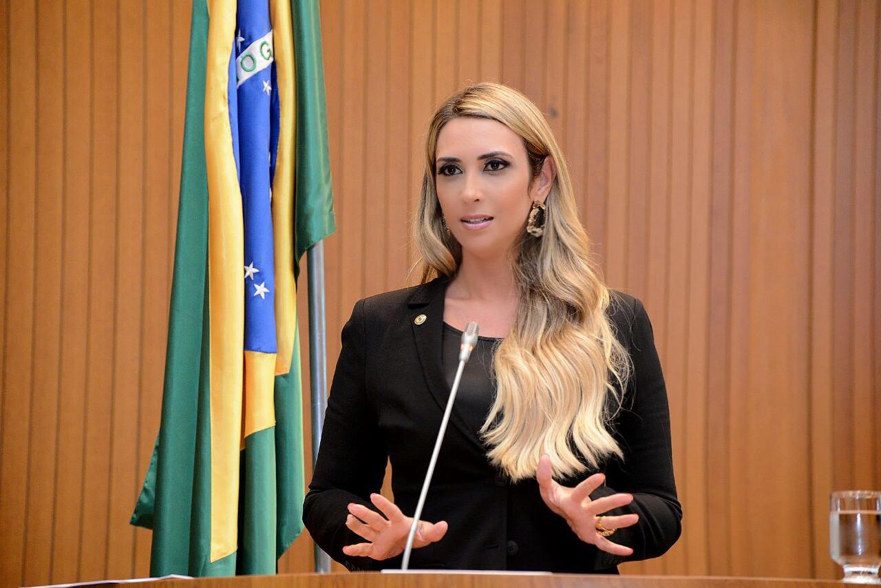 Andrea Murad cobra solução sobre o caso dos requisitados da saúde