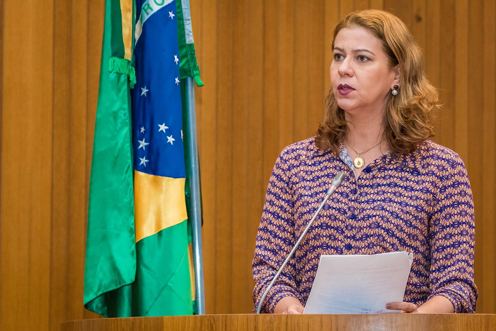 Valéria Macedo destaca promoção  do médico Alberto Nasser a tenente-coronel