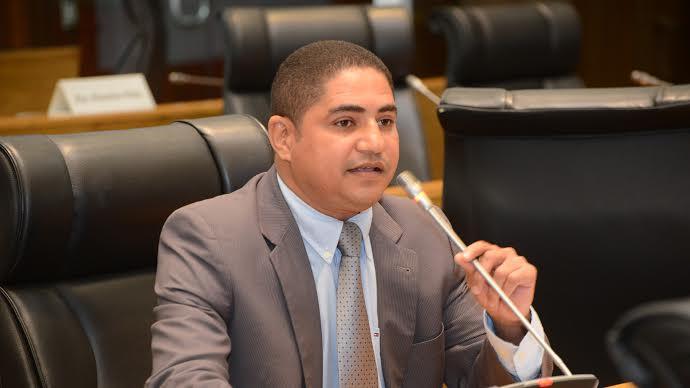 Deputado Zé Inácio denuncia distrato do contrato da Caema em Paço do Lumiar