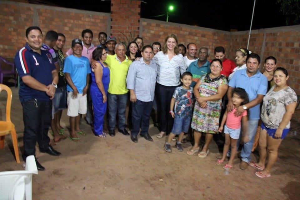 Valéria Macedo se reúne com lideranças políticas em Nova Colinas