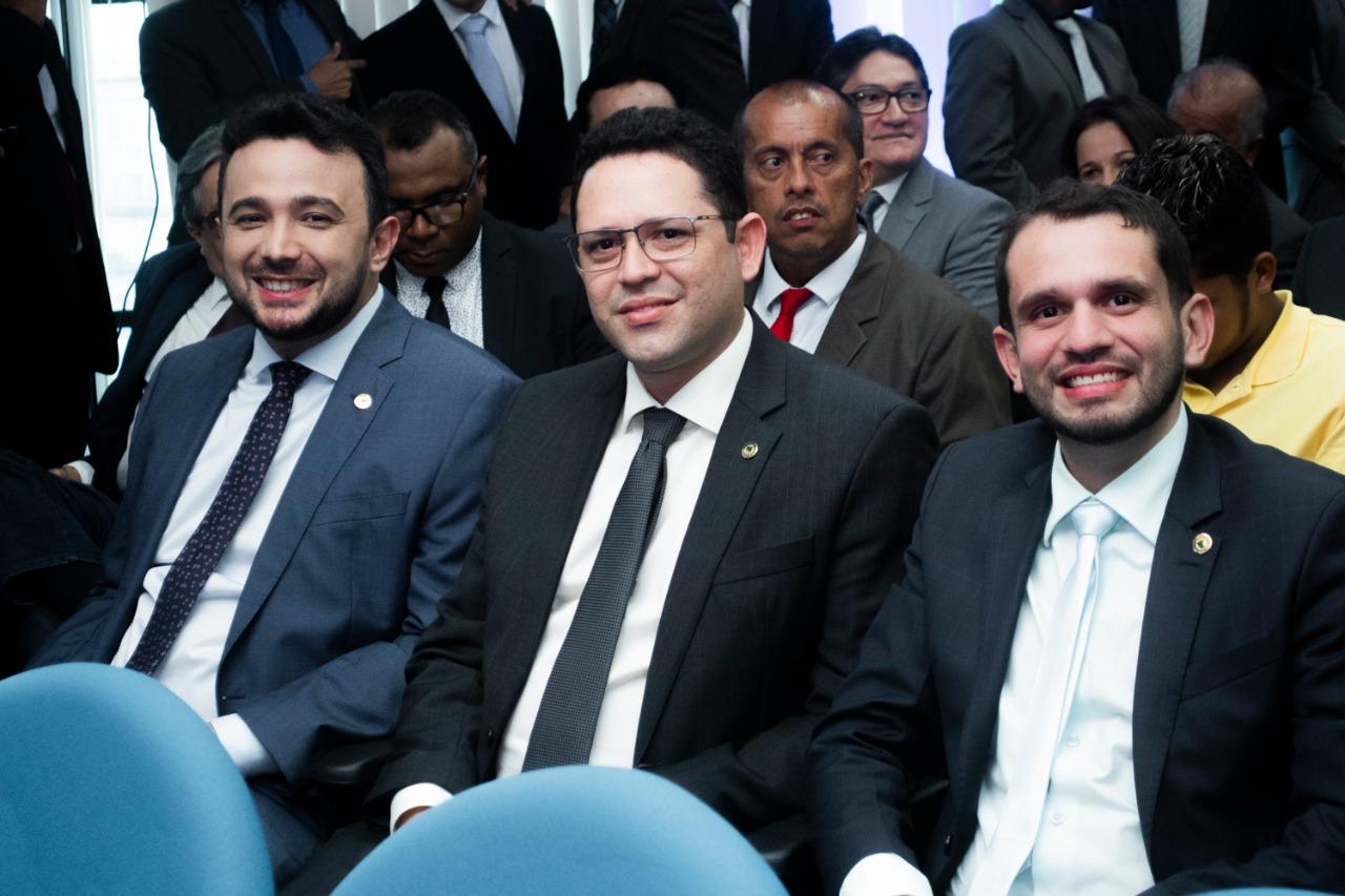 Deputados Dr. Yglésio, Ciro Neto e Fernando Pessoa prestigiaram a solenidade de posse do juiz José Gonçalo Filho