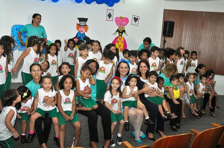 Alunos da Creche-Escola Sementinha comemoram Dia das Crianças com brincadeiras