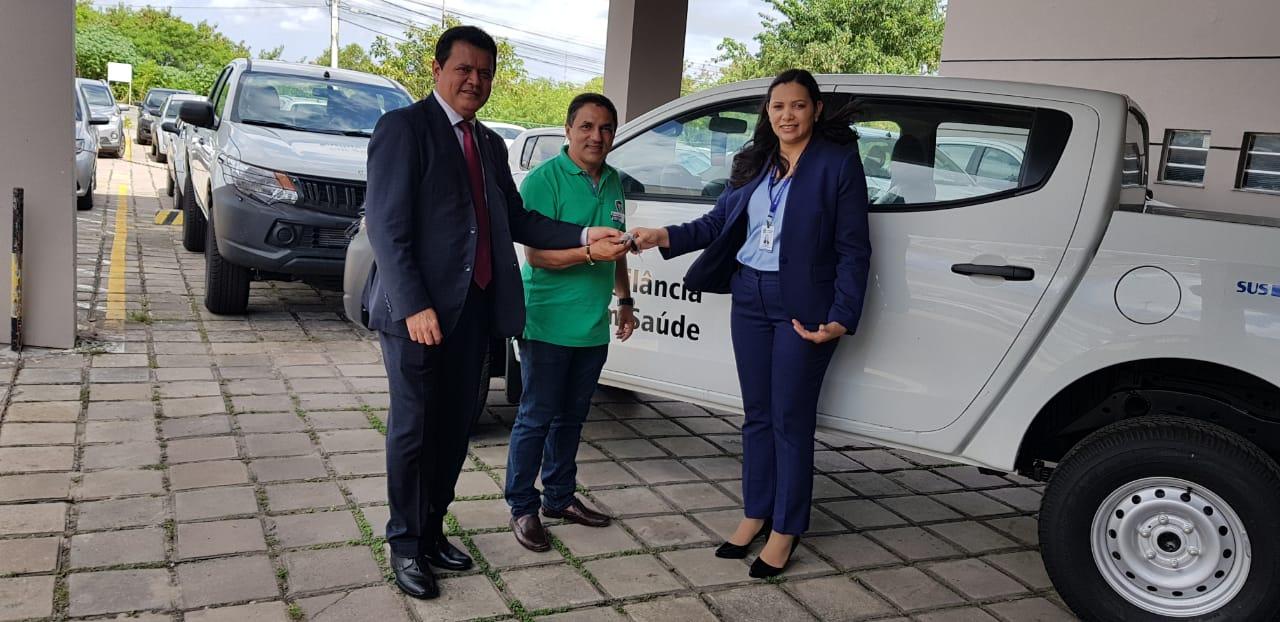 Rigo Teles agradece chegada de veículo que beneficiará a saúde de Fernando Falcão