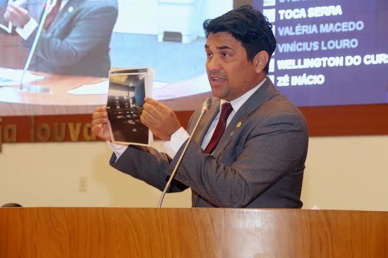 Deputado Wellington denuncia abandono e falta de segurança em escolas de São Luís