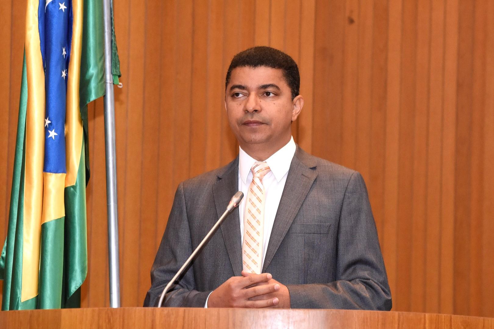 Deputado Bira do Pindaré repudia aprovação da PEC 55 pelo Senado Federal