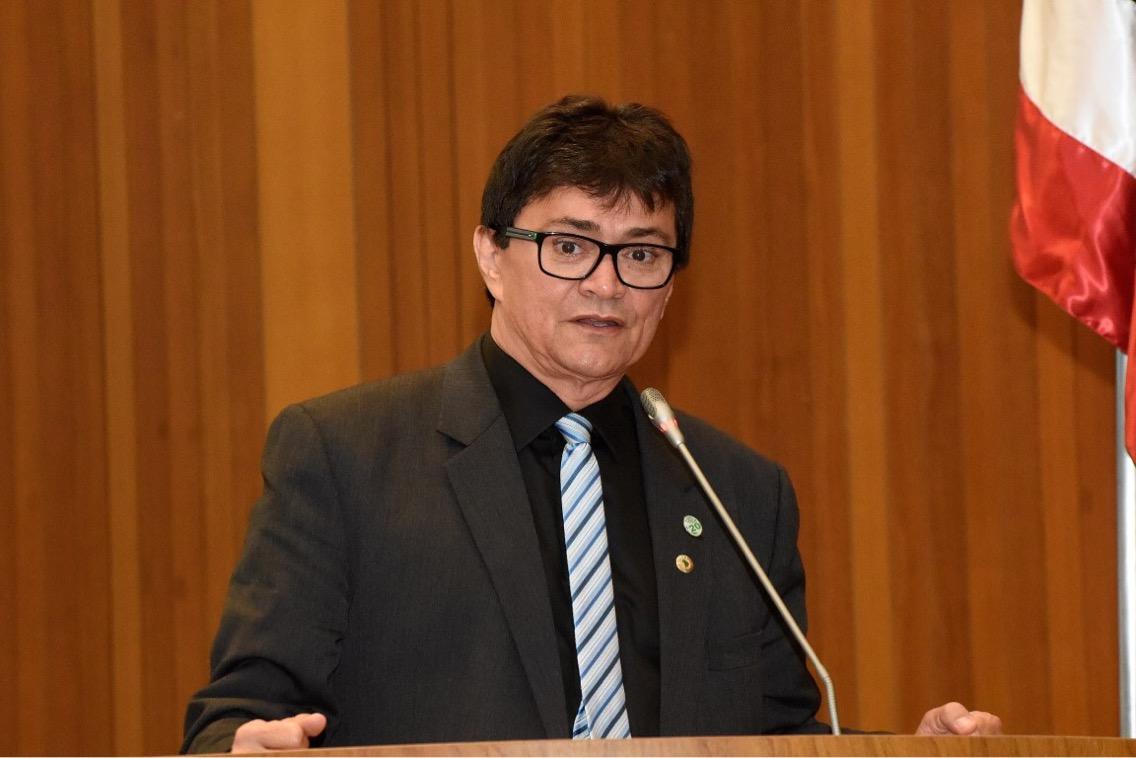"""Deputado Léo Cunha solicita inclusão de municípios no programa """"Mutirão Rua Digna"""""""