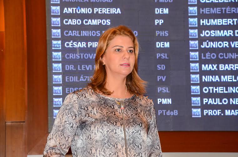 Valéria Macedo pede sinal de telefonia móvel na zona rural de Grajaú