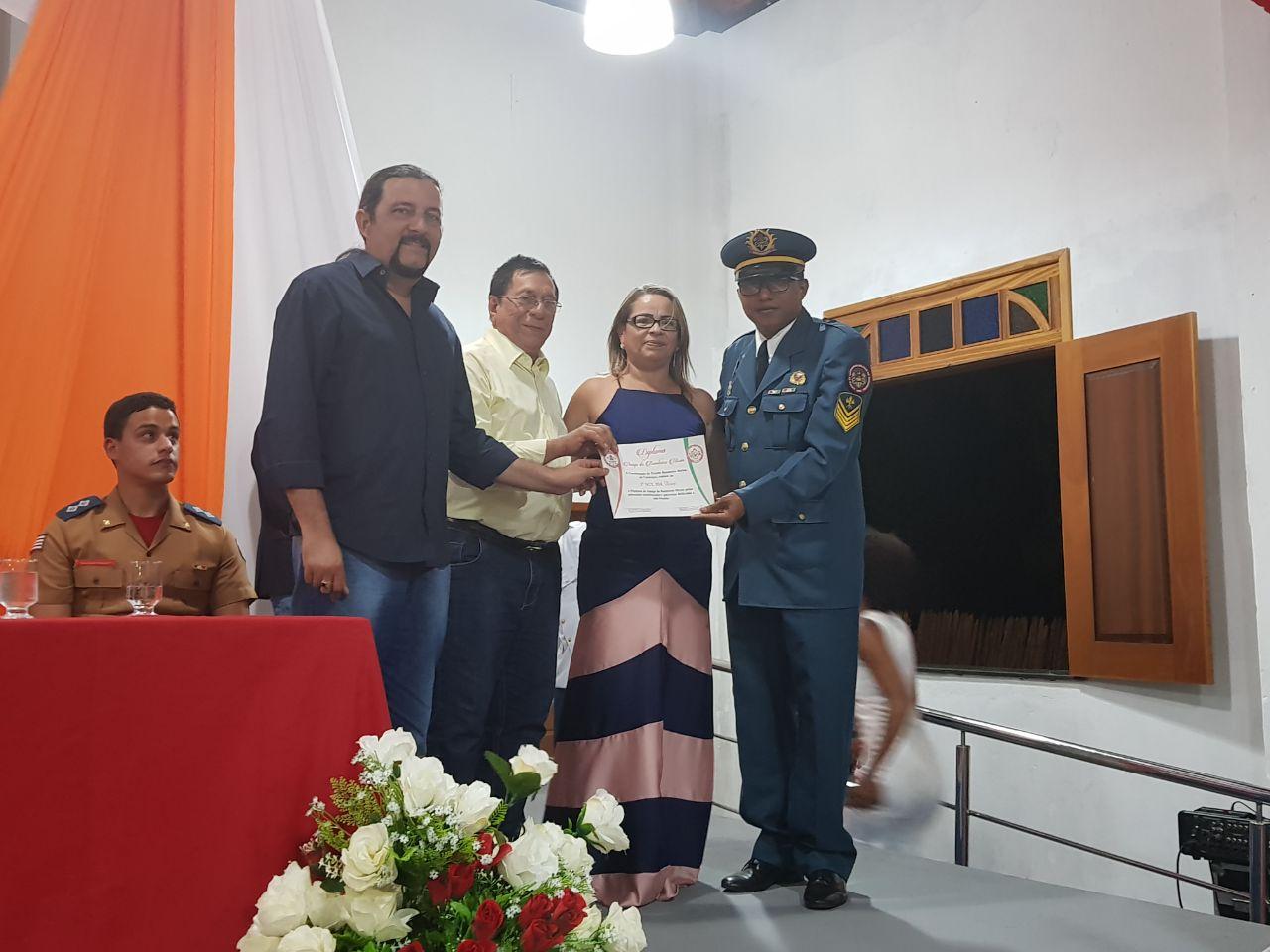 Júnior Verde é homenageado por Bombeiros Mirins de Cururupu