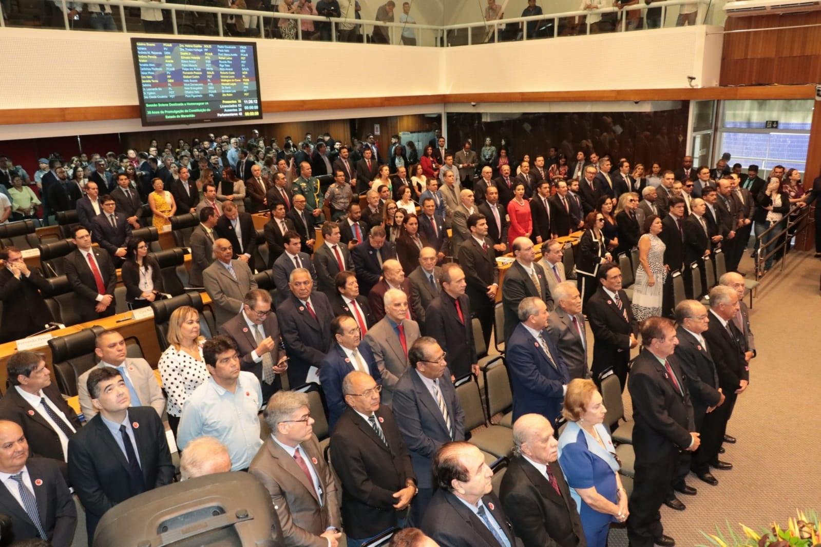 Sessão solene em comemoração aos 30 anos da Constituição Estadual
