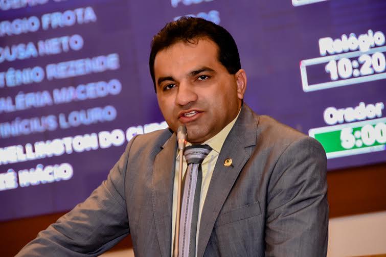Projeto de autoria do deputado Josimar de incentivo a produção de polpas é sancionado