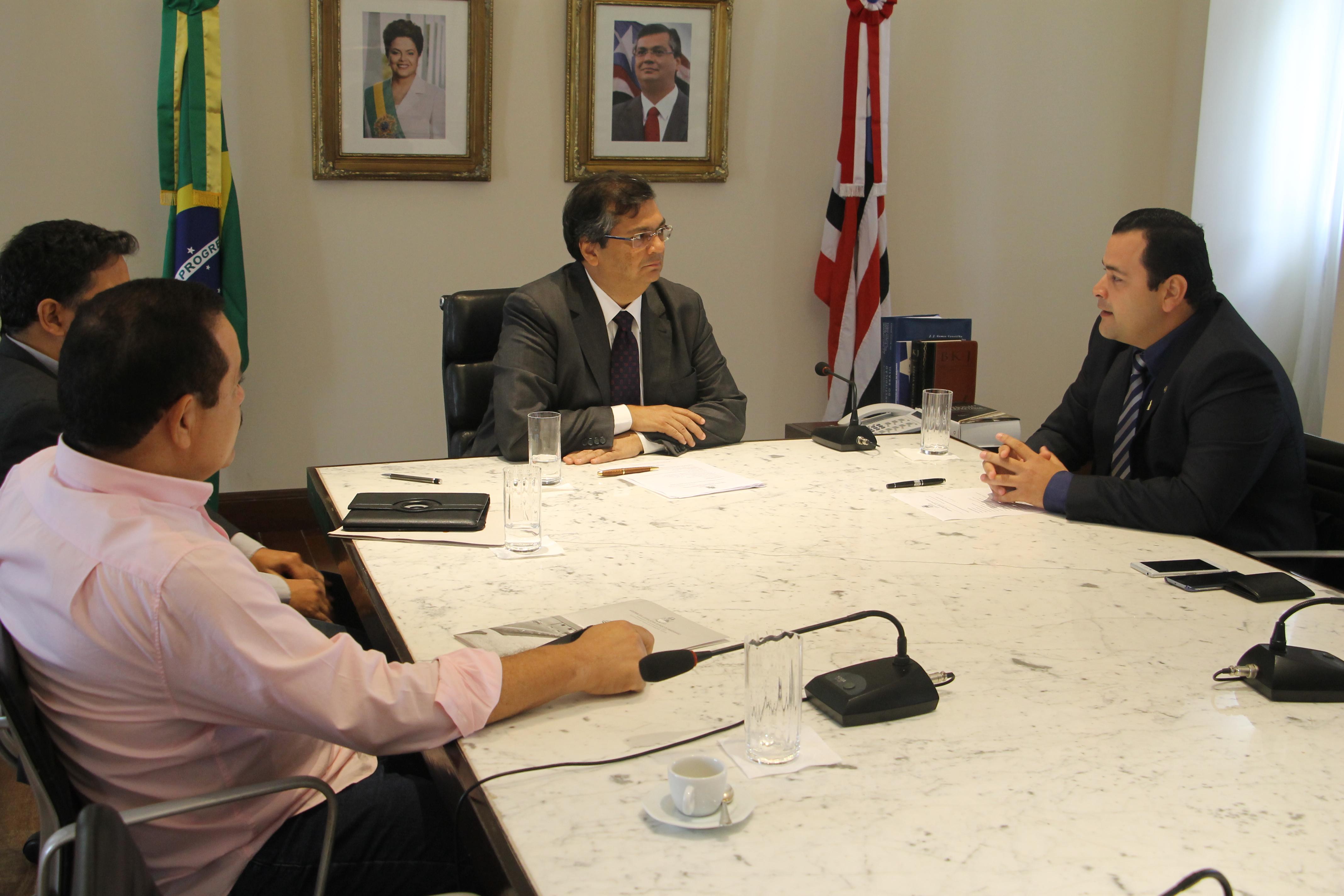 Vinicius Louro leva pleitos da região do Médio Mearim ao governador Flávio Dino