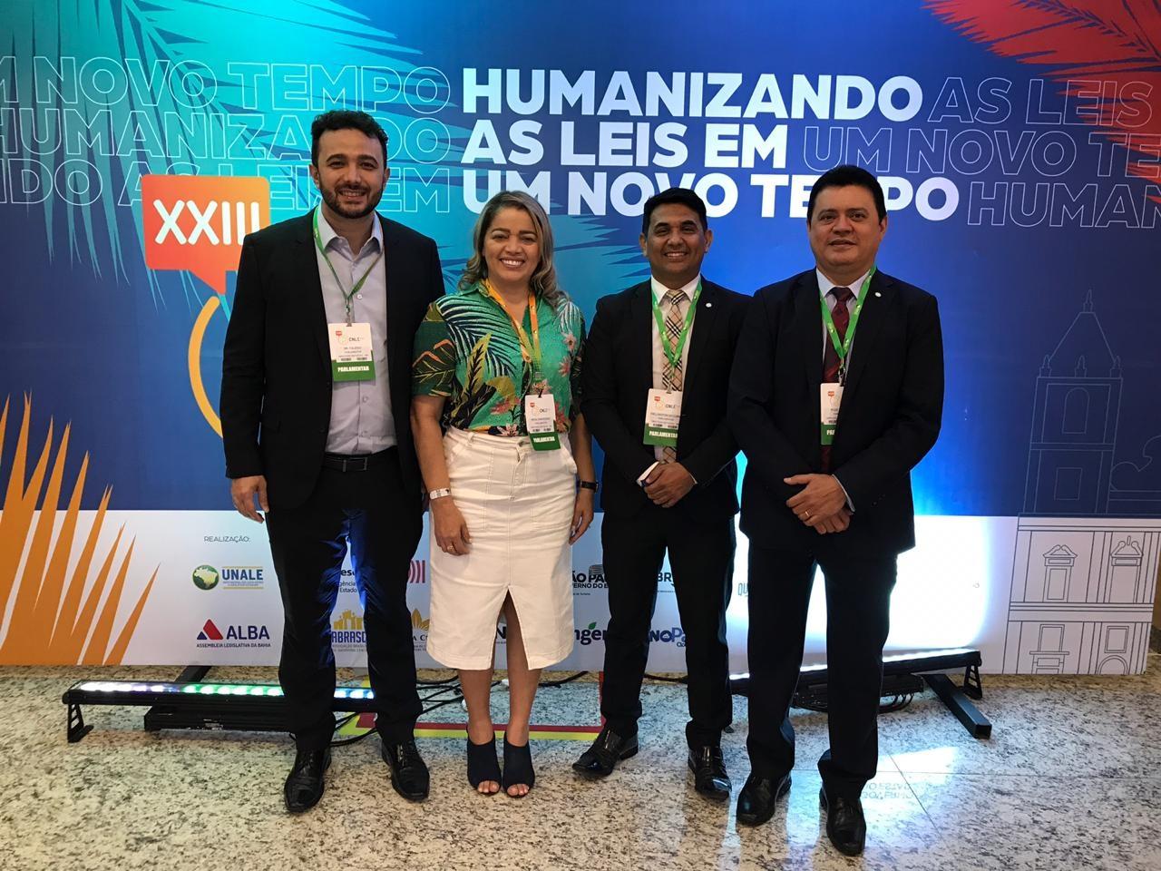 Deputados Yglésio, Mical Damasceno, Wellington do Curso e Rigo Teles, na conferência da Unale, em Salvador