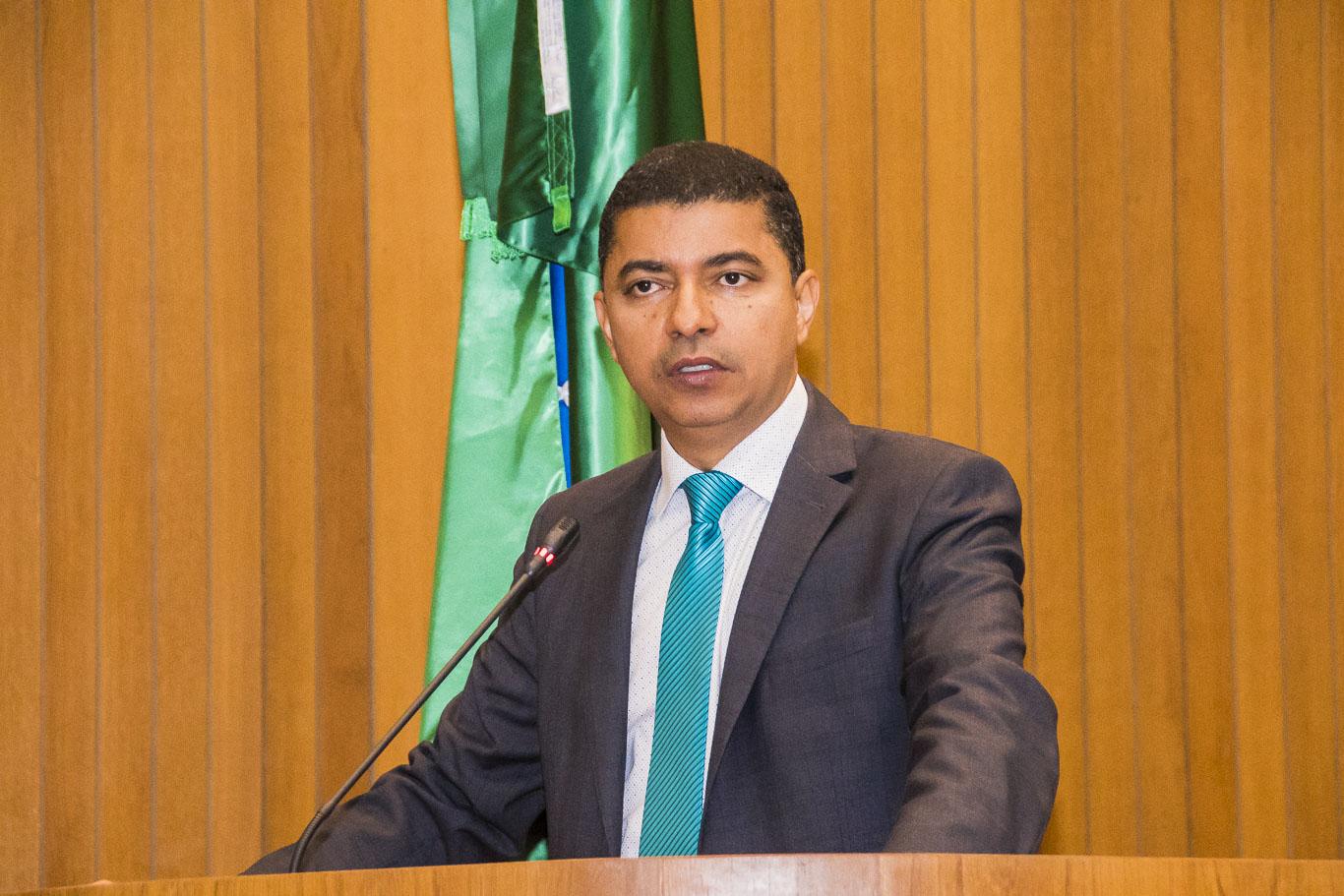 Bira repudia medida Federal que concede renúncia fiscal a multinacionais