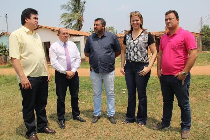 Valéria destina emenda para revitalizar campo de futebol em Imperatriz
