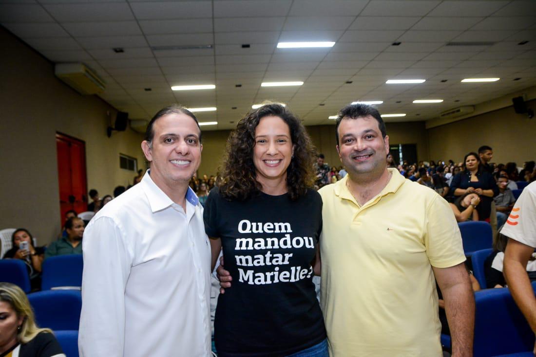 Deputado Adelmo Soares participa de seminário sobre feminicídio em Caxias