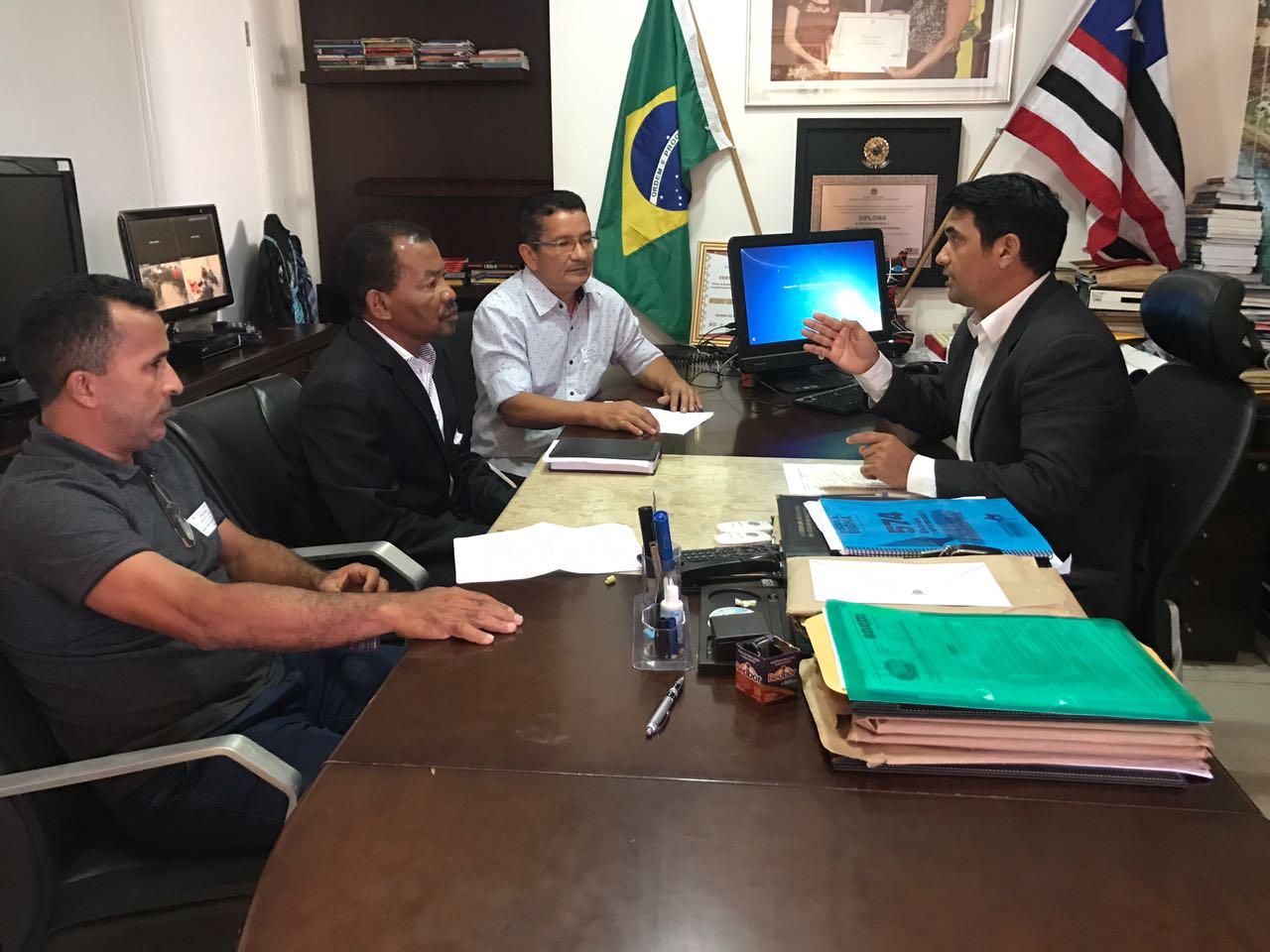 Deputado Wellington recebe comissão de aprovados no concurso de Urbano Santos