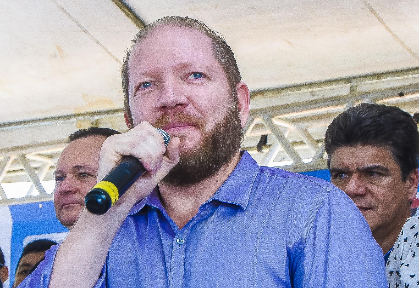 Em Grajaú, Othelino Neto ressalta que o Governo Flávio Dino é exemplo no exterior