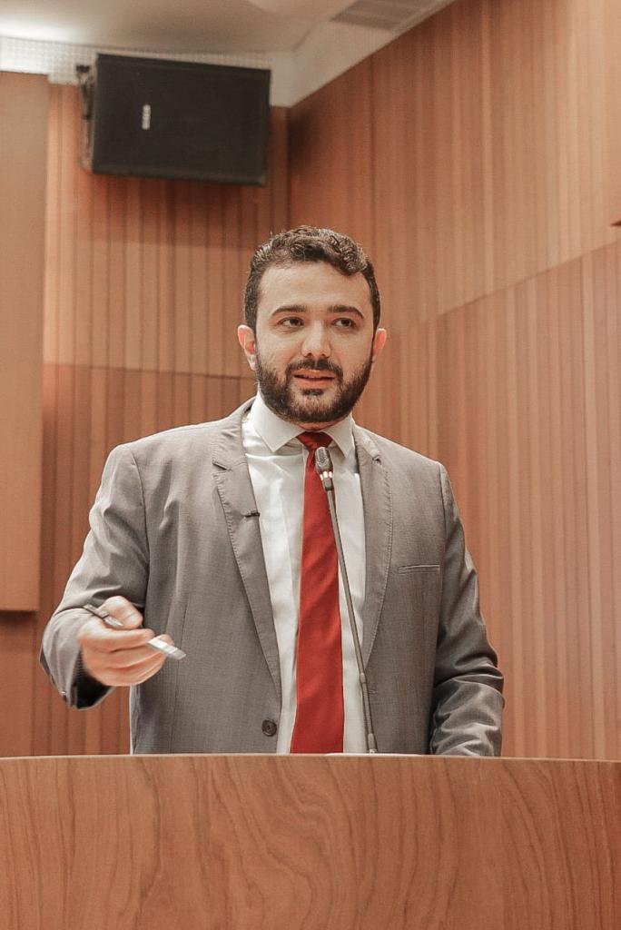 Yglésio denuncia aumento de mensalidades escolares acima da inflação