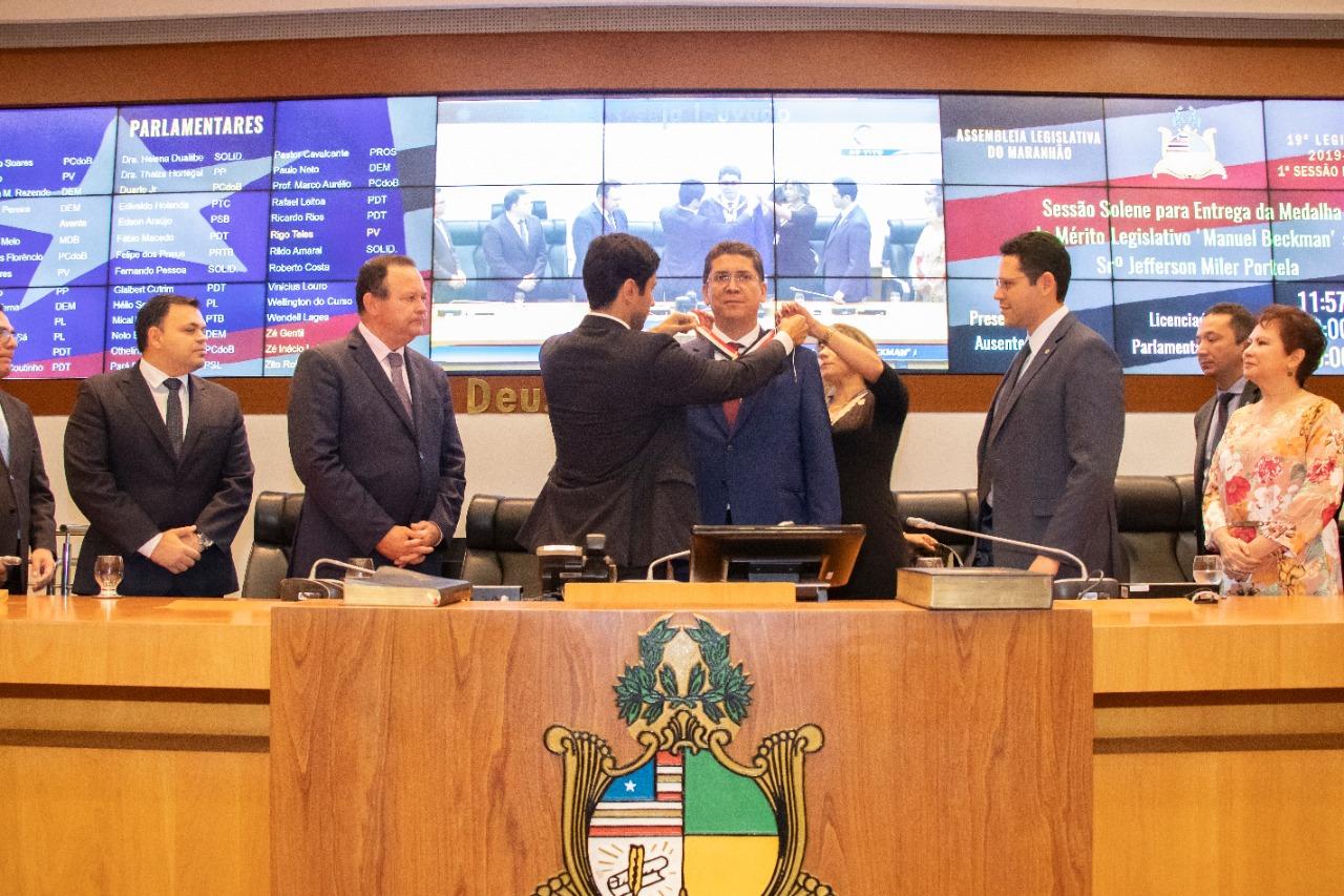 Resultado de imagem para Assembleia concede Medalha Manuel Beckman a Jefferson Portela