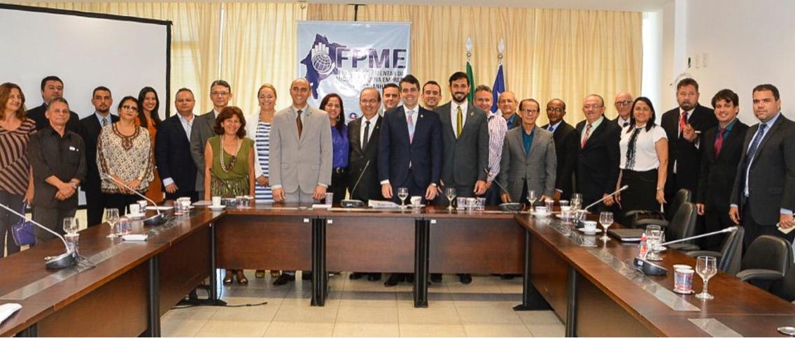 """""""Vamos atuar fortemente para empoderar as micro e pequenas empresas"""", diz Adriano Sarney"""