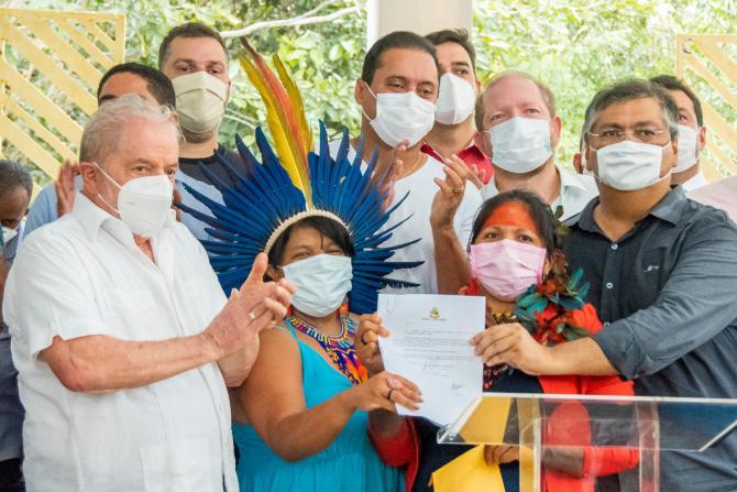Othelino acompanha Lula e garante agilidade a projeto que beneficia indígenas