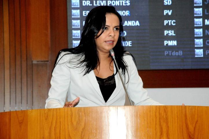 Projetos de Leis da deputada Ana do Gás são destaques na Assembleia