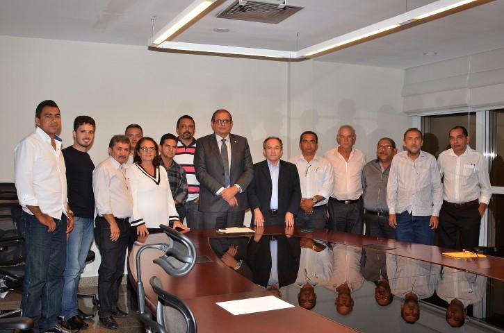 Humberto Coutinho recebe lideranças de Parnarama