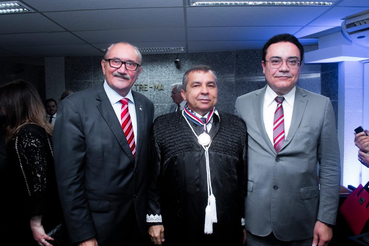 Parlamentares prestigiam posse do juiz José Gonçalo como membro efetivo do TRE-MA