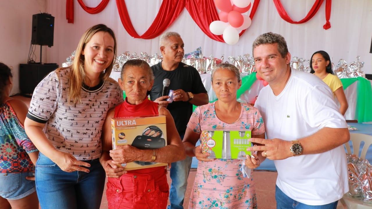 Deputada Detinha participa de eventos do Dia das Mães pelo estado