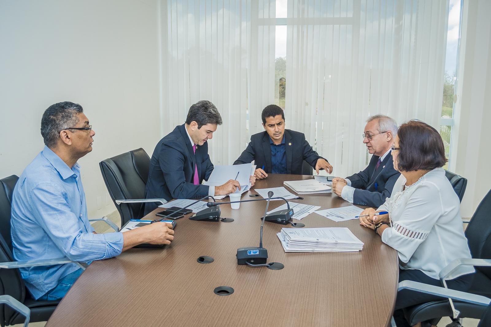 CCJ volta a debater MP com nova tabela de vencimentos para professores da Uema