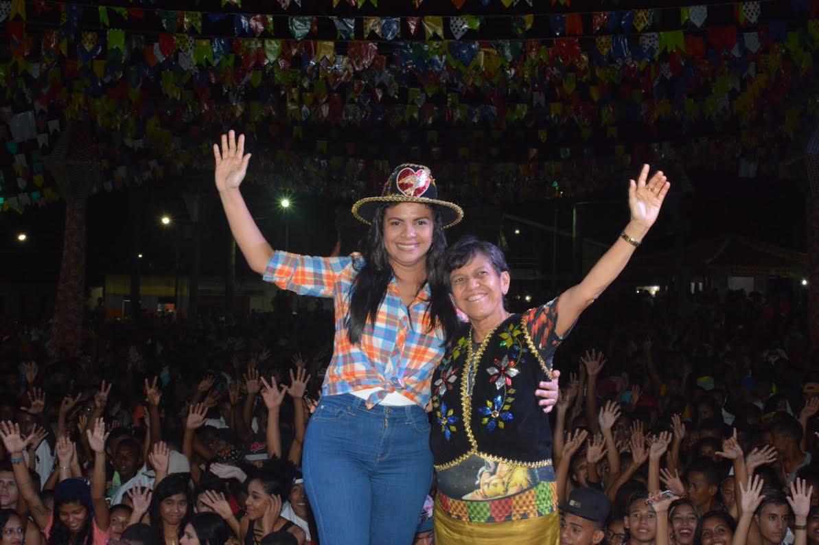 Ana do Gás participa das festas de São João em Cururupu