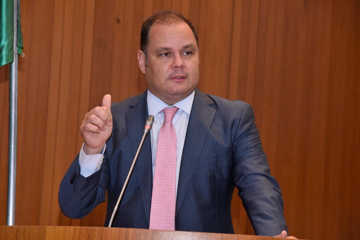 Líder do governo diz que o reajuste do ICMS é necessário em momento de crise