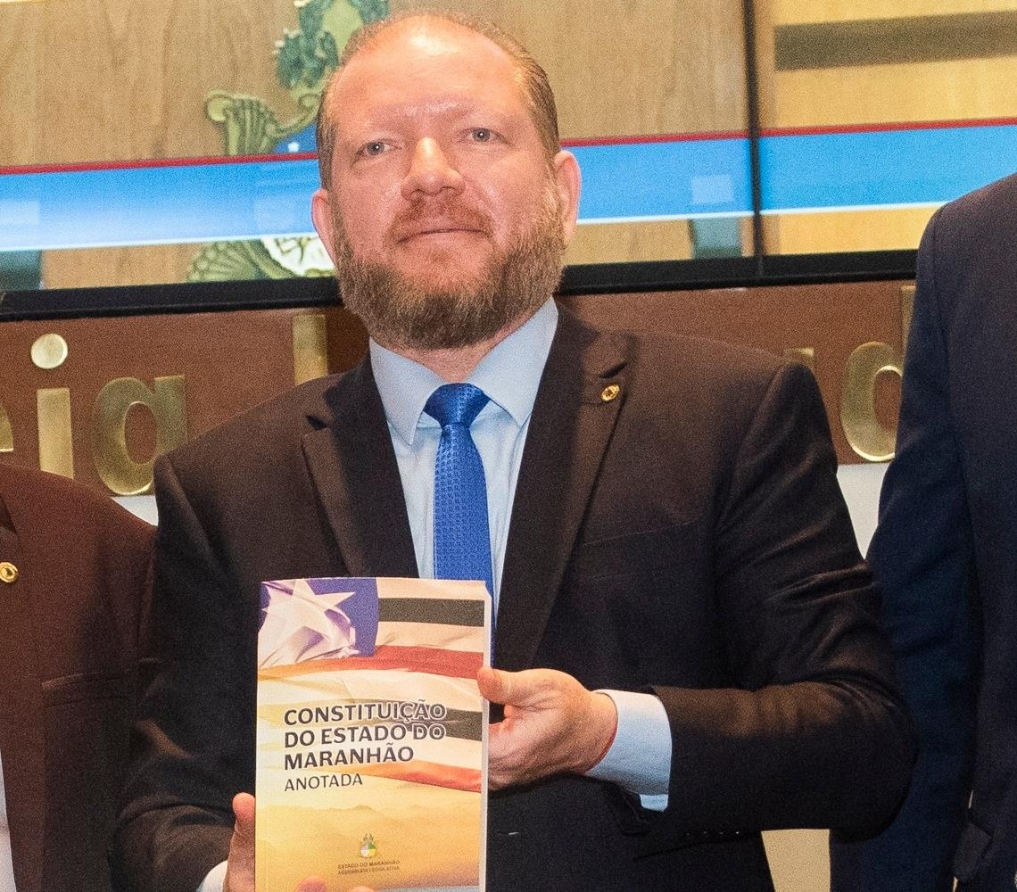 Othelino destaca comemoração dos 30 anos da Constituição Estadual como um resgate importante da história do Maranhão