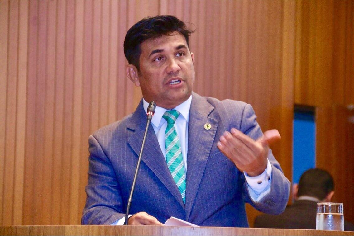 Wellington diz que enquanto governo gasta com propaganda, falta leito no Maranhão