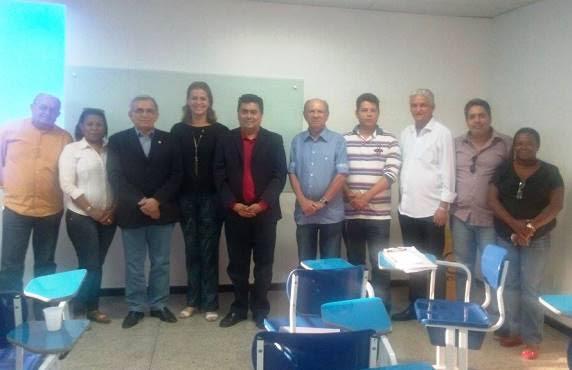 Valéria Macedo discute problemas e soluções para a Saúde Pública