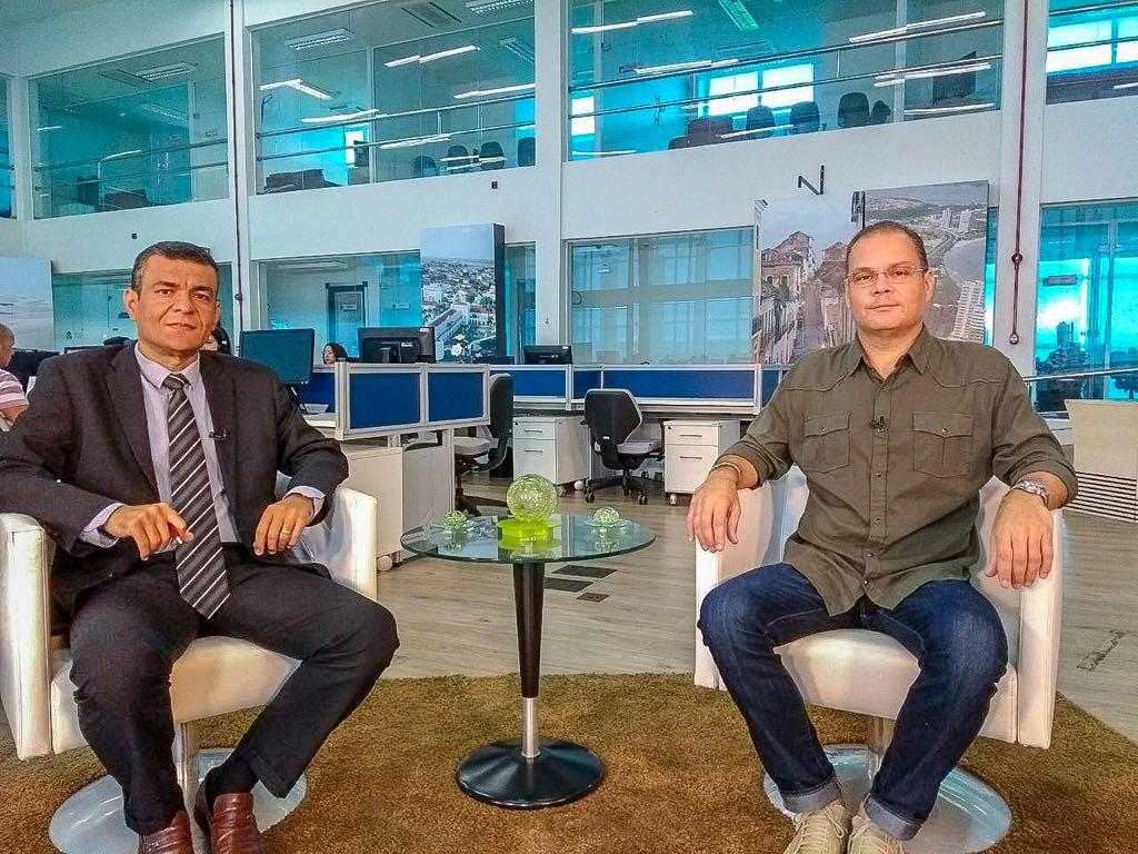 """No """"Sala de Entrevista"""", deputado Rogério Cafeteira destaca ações do Governo do Estado"""