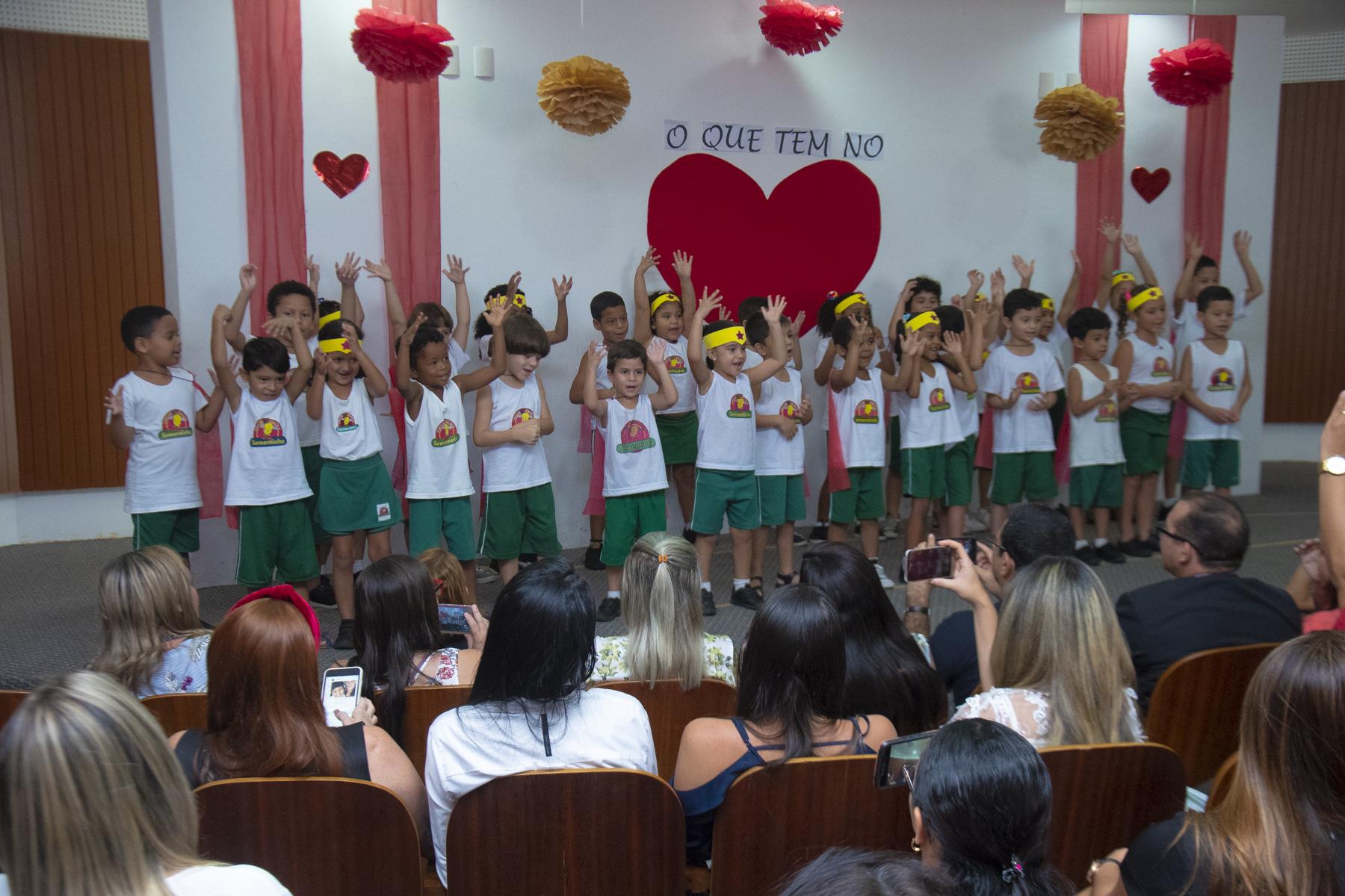 Creche-Escola Sementinha promove manhã de homenagem ao Dia das Mães