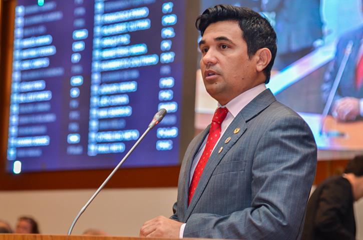Deputado Wellington lamenta corte de quase R$ 6 milhões da Secretaria da Mulher