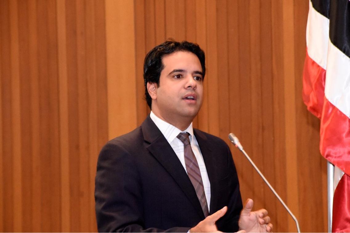 Edilázio Júnior propõe isenção de ICMS para aquisição de arma de fogo e munições